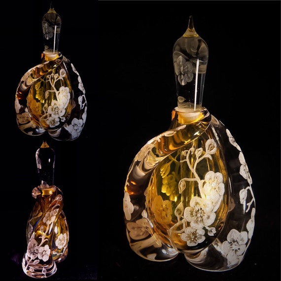 Hand engraved crystal perfume bottle, vanity, homedecor, perfume bottle, scented, crystal perfume bottle, wedding gift, handblown