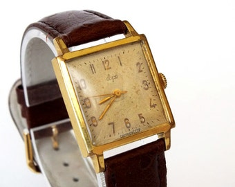 Rare Vintage Slim  Men's Watch 60s Mechanical Wrist watch LUCH (Ray) 23 jewels. Great Gift Idea for Him
