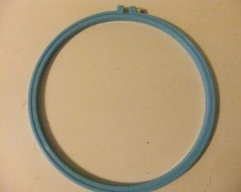 10 INCH BLUE PLASTIC Hoop/Embroidery Hoop/Cross Stitch Hoop
