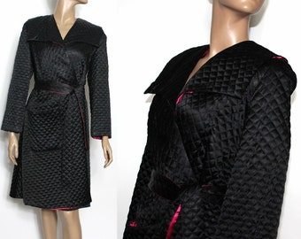 Vintage 1940s Lounging Robe Black Quilted Pink Lining