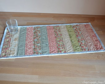 Floral fabric quilted table runner, floral home decor, roses fabric, roses decor, blue cream green pink. Pastel table runner patchwork UK