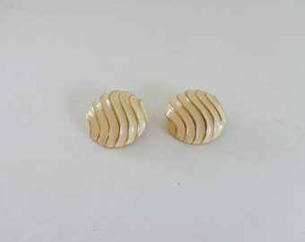 Earrings Cream & Gold 1960's Vintage Button Clip Ons