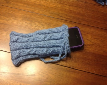 Cable Knit Cell Phone Pouch
