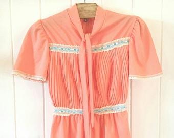 Peach Girls Dress size 10 vintage