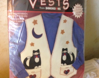 Dimesions Applique Felt Vest Kit with Cat