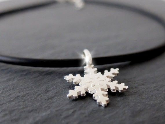 Silver Snowflake Necklace, Silver Snowflake Choker, Christmas Silver Snowflake Necklace, Frozen Necklace, Festive Necklace, Short Necklace