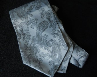 Mens Cravat  Ascot Necktie Steampunk Cravat wedding Cravat Victorian Pocket Square