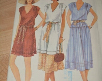 Vintage Vogue 7338 Misses Top or Tunic and Skirt pattern