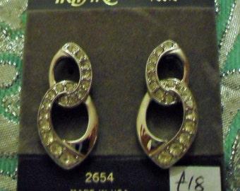 Vintage 1980s Trifari 2654 pierced earrings silvertone Hollywood glamour evening  *UNWORN* nos