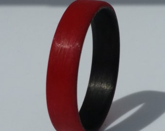 Red Unidirectional Ring with black carbon inside