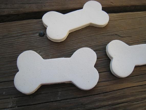 Ceramic dog bones 12 dog bone blanks dog crafts decorate for Dog bone ornaments craft