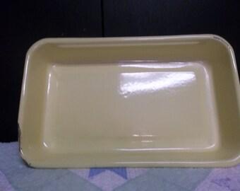 1/2 OFF!!! Vintage Yellow Enamel Cake Pan, Rustic Kitchen,T