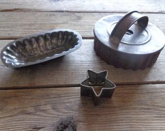 Vintage Primitive Tin Large Biscuit Cutter, Madeline Cookie Tin & Star Cookie Cutter, 1940's - Primitive Cookie Cutters - Farmhouse Kitchen