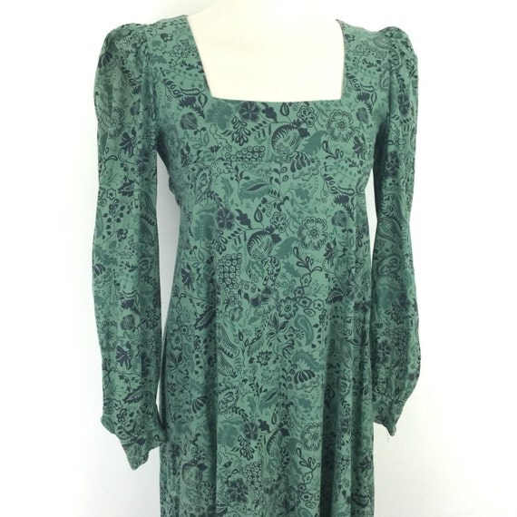 Maxi dress vintage cotton dress arts and crafts novelty vegetable print medieval style UK 6 8 The Dove Clothing Company Biba style green