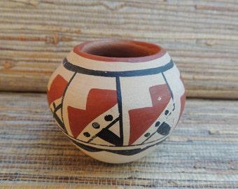 Small Vintage Jemez Native American Pot Southwest Souvenir