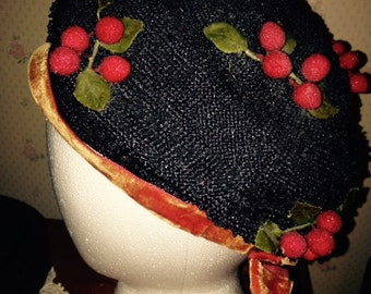 1950's navy and red straw beret with red berries