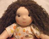 Louise, poupée waldorf de 35 cm sur commande