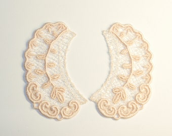 Lace Collar in CHAMPAGNE for 18 inch dolls such as American Girl #CR25