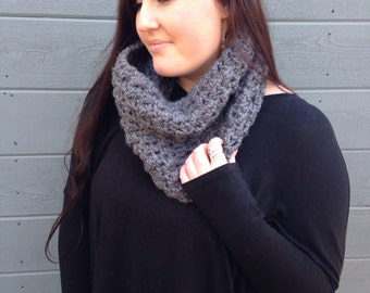THE NOR'EASTER••cowl / thick / chunky / grey