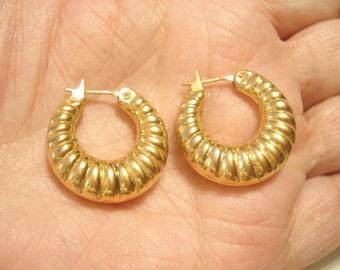 Pretty Vintage Monet Hoop Gold Tone Pierced Earrings