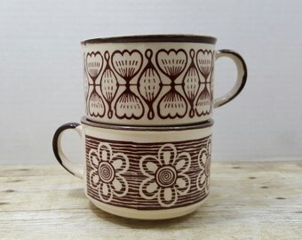 Set of Two Retro Soup Mugs, Brown and off white, vintage soup bowls, stoneware