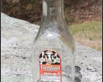 Vintage 'Farmland Dairies' 1 Qt. Milk Bottle Wallington, NJ