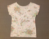 1970's, quarter sleeve, scalloped edge, t-shirt, in white, with floral print, Women's size Small