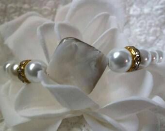 White Pearl & Shell bead bracelet