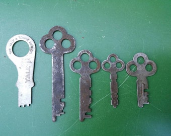 Antique Keys Yale and Towne  Lock Flat Jewelry Making Makers Craft Found Art Steamer Trunk Mailbox Safe Corbin Padlock Metal Charm 45 18 VF