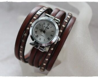 Chocolate leather cuff with clock on the bracelet