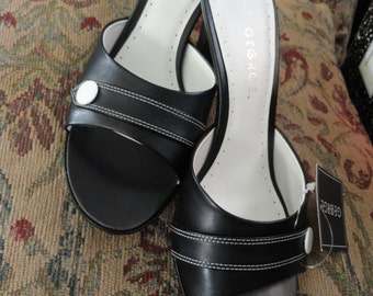 Black and White Heel Sandals . 9M . NWT Vintage . Dress Heels . Goth Heels . Rockabilly . Costume Heels . Summer Heels . Shoe 2