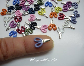 Very small scissors color scale 1/12