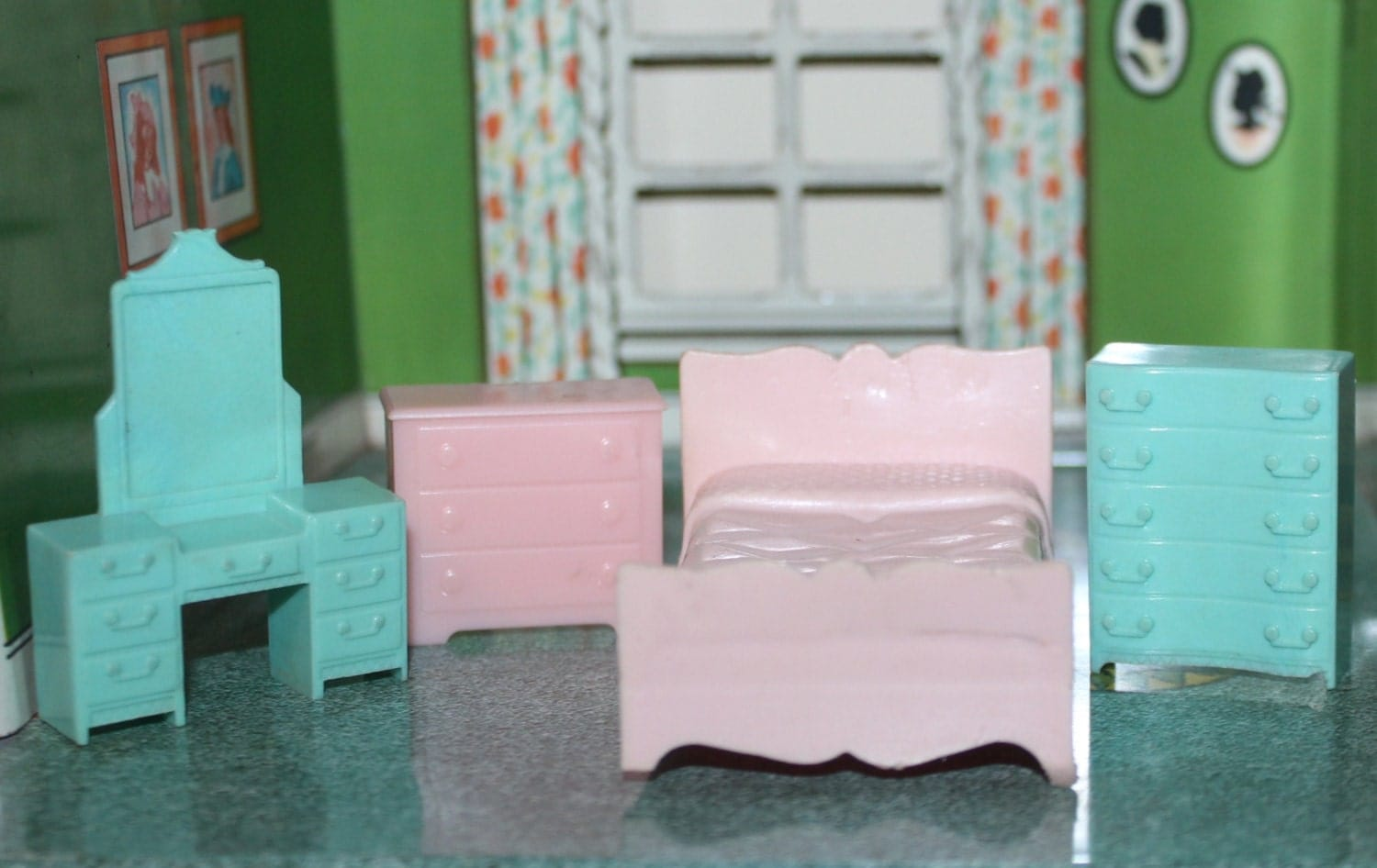Dollhouse plastic furniture girls bedroom marx 4 by prettydish Plastic bedroom furniture