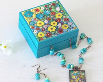 Turquoise Jewellery Gift Set, Turquoise Necklace, Turquoise Earrings, Turquoise Trinket Box, Turquoise Flowers Pendant, Copper Pendant