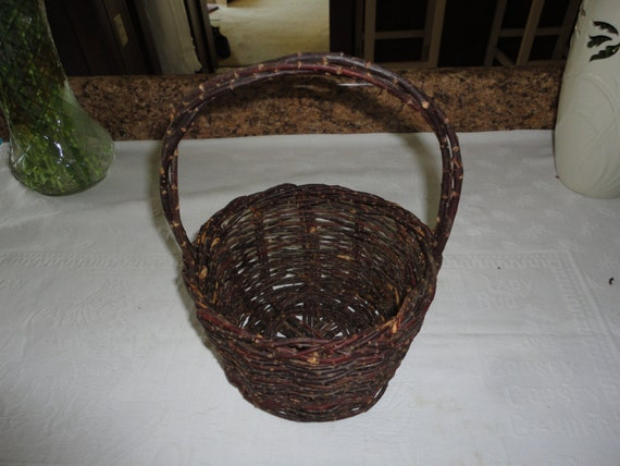 How To Weave A Basket Out Of Twigs : Woven twig basket wedding handle gathering