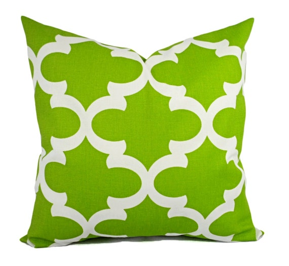 Items similar to Two Green Pillow Shams - Green Pillow Cover - Green and White Quatrefoil ...