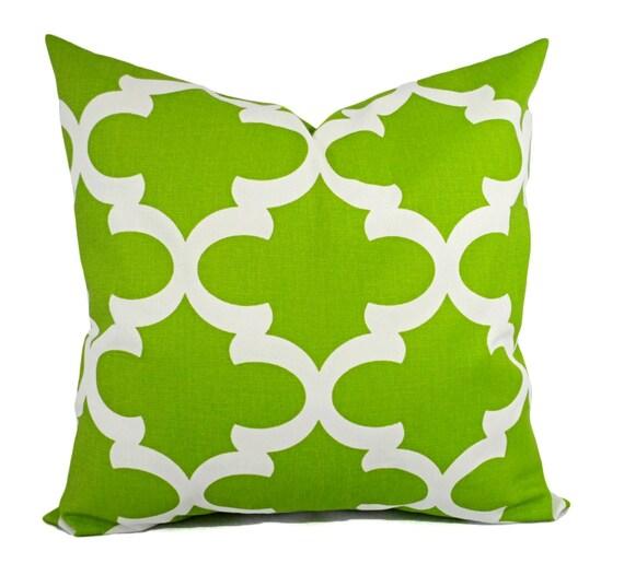 White Decorative Pillow Shams : Items similar to Two Green Pillow Shams - Green Pillow Cover - Green and White Quatrefoil ...