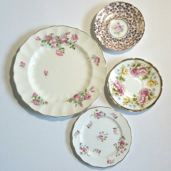 Decorative Wall Plates Set Of 4 : Vintage decorative wall plates in shades of pink set four