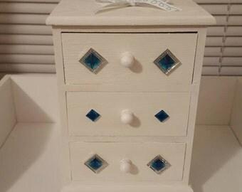 Three drawer jewelry box