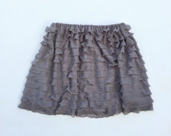 Gray Ruffled Skirt. . Baby skirt.  Toddler skirt.  Girls skirt.  Size 0-6 months to girls size 10