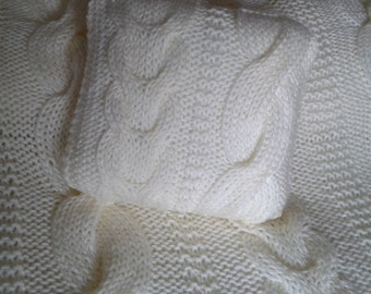 Medium double cabled super Chunky Blanket, free shipping