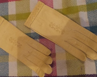 Vintage Woman's leather gloves, soft buttery yellow.