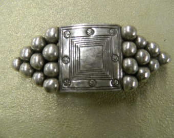 Metal Pointus pewter hair barrette clip made in France