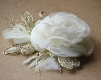 Ivory wedding flower pin Ivory hair flower Ivory wedding hair piece Ivory gold hair flower Gold lace hair pin Ivory gold hair flower