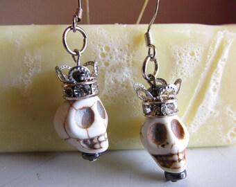 Halloween Earrings,Day of the Dead Earrings,Dia de Los Muertos Jewelry,Voodoo Queen Earrings,Skull with Fancy Crown Earrings,Pirate Earrings