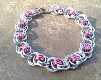 Ocean Waves Weave Chainmaille Bracelet - Dark Rose