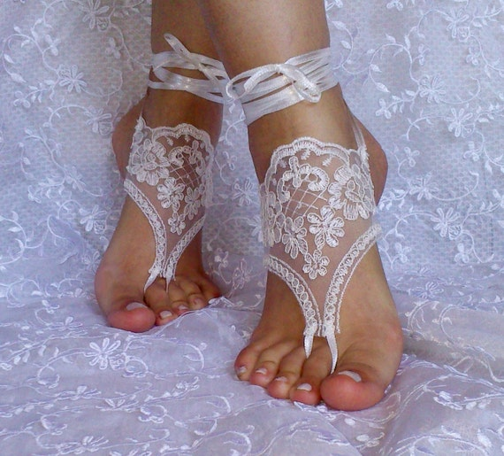 Free ship ivory lace barefoot sandals, bangle, wedding anklet, anklet, bridal, wedding
