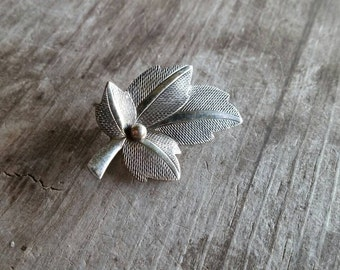 Beau Sterling Silver Leaf Brooch