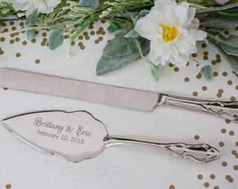 Silver wedding cake serving set