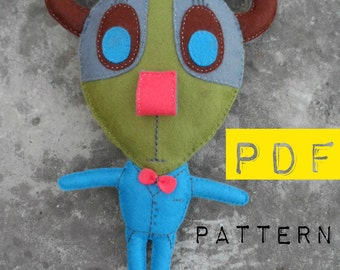 Sewing pattern bear. SALE Toy bear 10,5 inches. DIY Handstitched Felt Toy Pattern. How to sew.